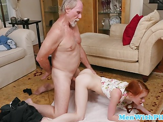 Old daddy fucks young cutie