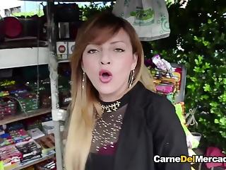 Nice lips sucking two cocks